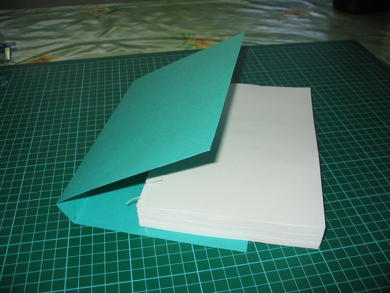 Blog white livres reliure - Comment faire un petit sapin en carton ...